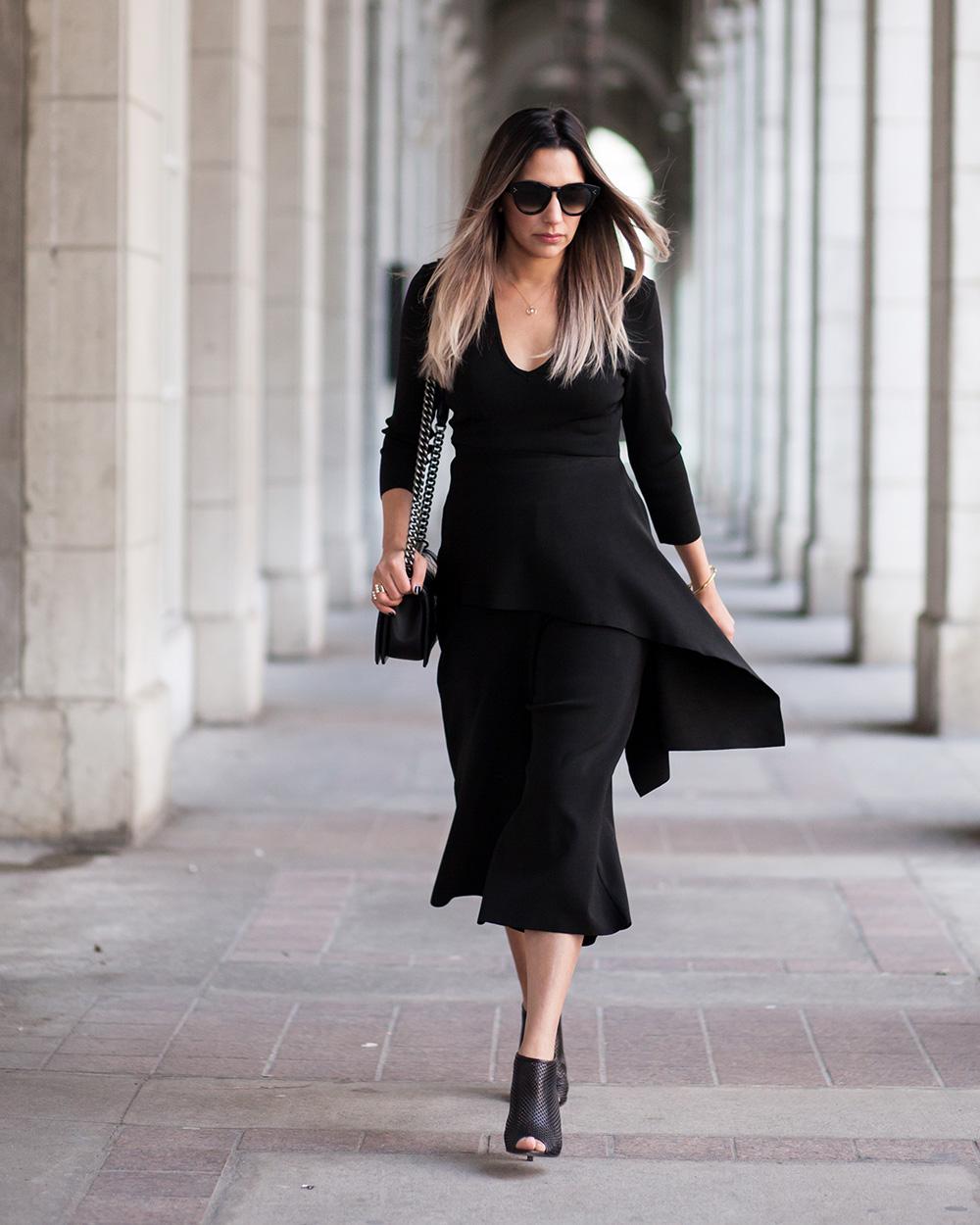 Grey Canvas, Mejuri, Quinsco, Zara, Assymetrical, Elegant Chic