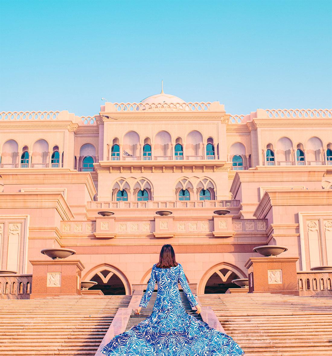 Emirates Palace, Abu Dhabi Hotels, Luxury Abu Dhabi Hotels, 5 Stars Hotels in Abu Dhabi, Emirates Palace Gold Flakes